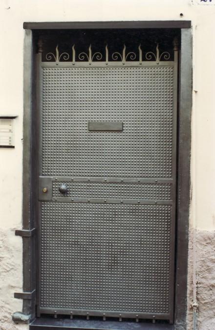 Armadietti ferro per esterni armadietti in plastica tutte - Porte di ferro per esterni ...