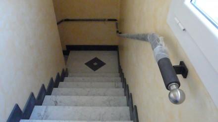 Corrimano per scale interne a muro officina scale per - Corrimano per scale interne a muro ...