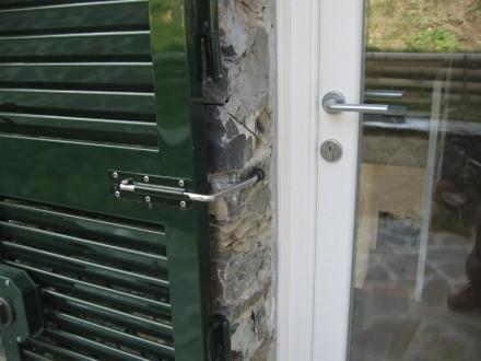 Persiane in alluminio officine bacigalupi srl - Chiavistelli per finestre ...
